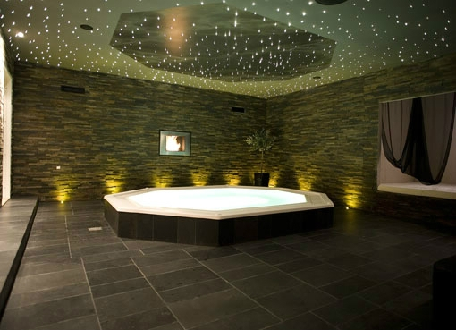 Wellness Area with 15 persons Whirlpool